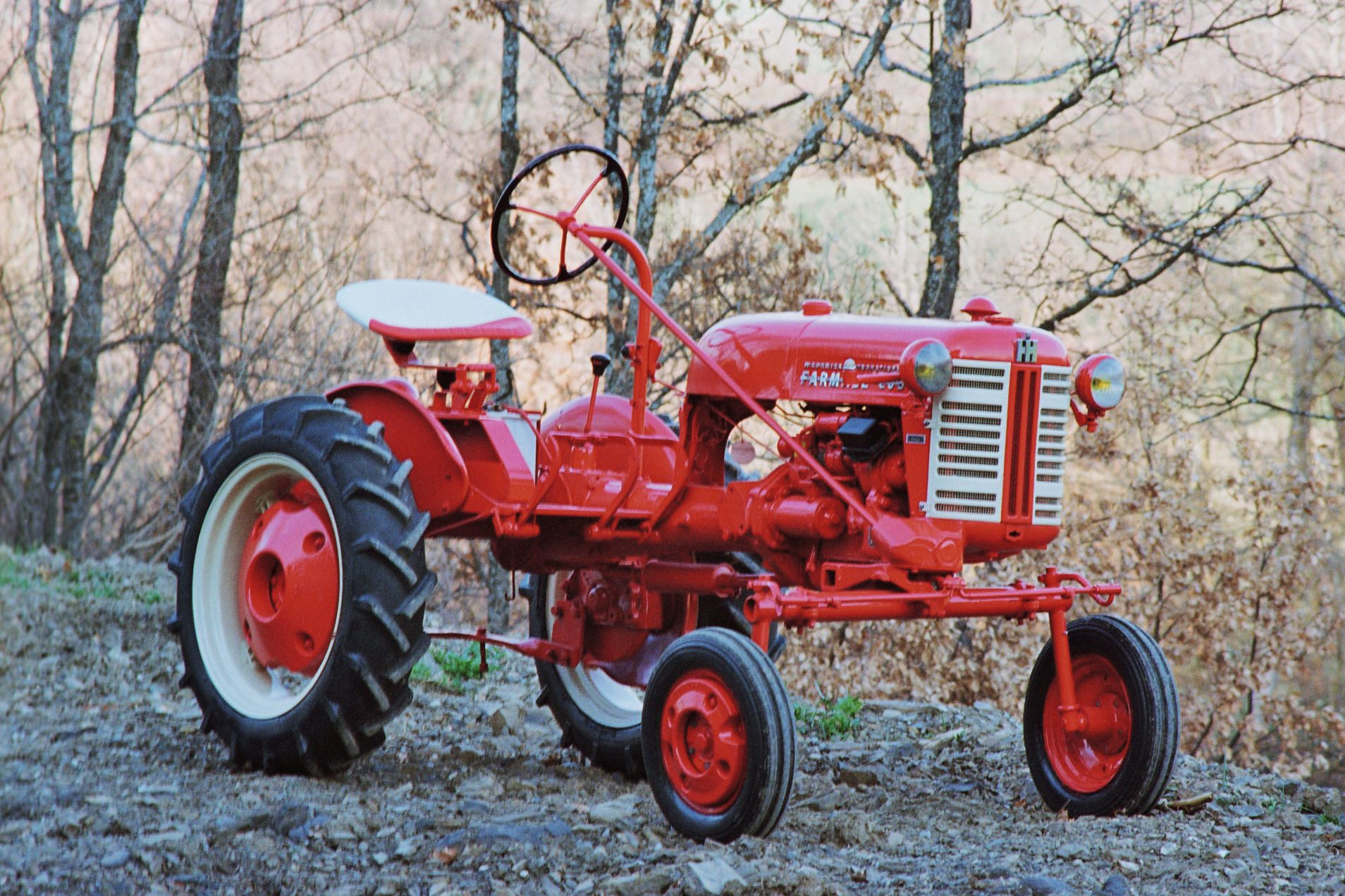 Tractor of the Week #4 ( The Farmall Cub ) 1947 to 1979